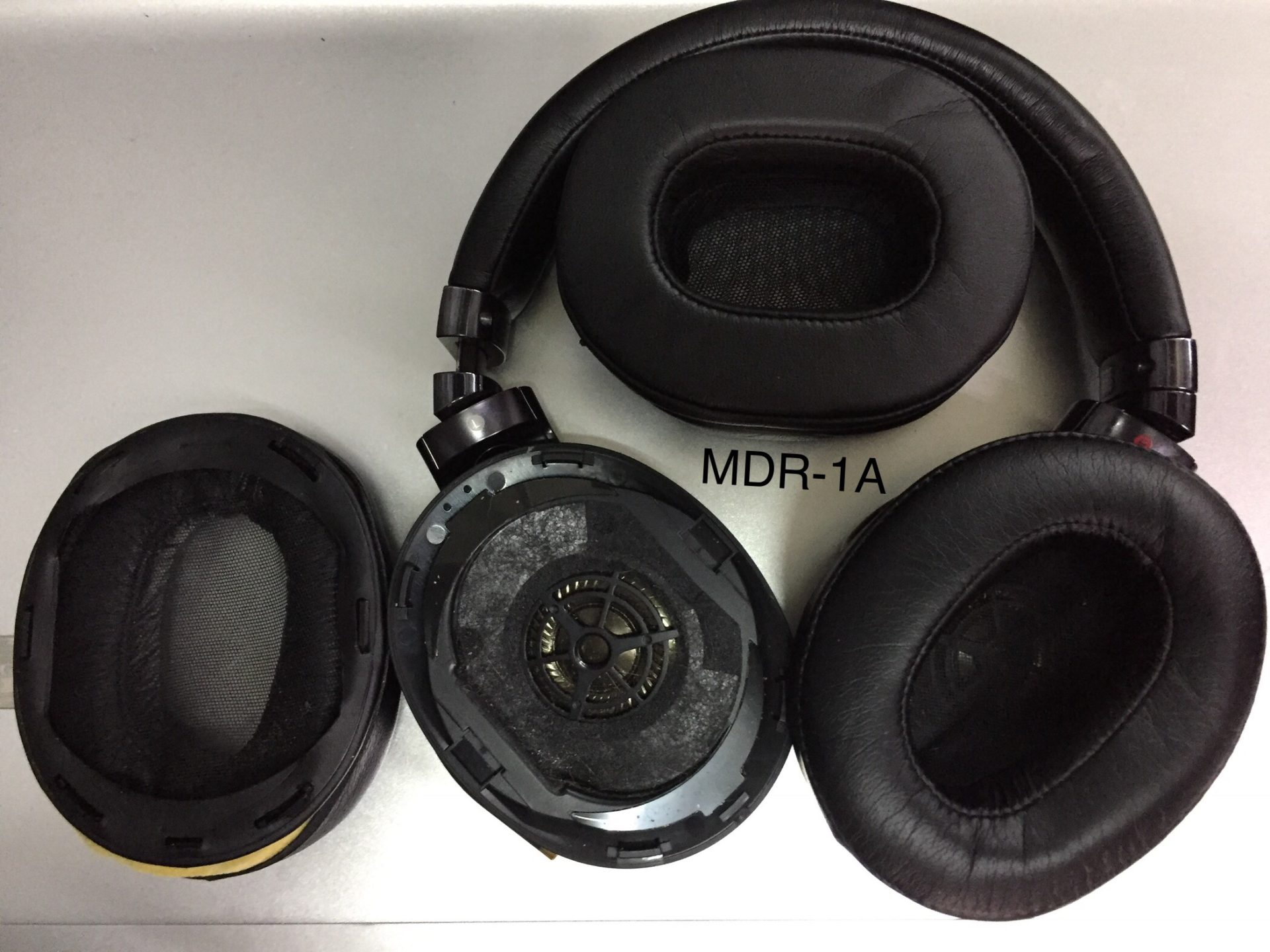 Sony MDR-1A и замена амбушюр
